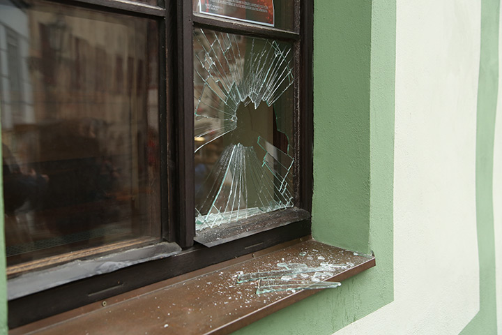 A2B Glass are able to board up broken windows while they are being repaired in West Dulwich.